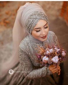 Nisan Nisanur caftan model carried by the beautiful babci ❤️❤️❤️ Nancy Wiesinger ❤️ kınalık. Nisan Nisanur caftan model carried by the beautiful babci ❤️❤️❤️ Nancy Wiesinger ❤️ kınalık. - Chiffon cloan with short train - Appro. Muslimah Wedding Dress, Hijab Style Dress, Muslim Wedding Dresses, Muslim Dress, Bridesmaid Dresses, Bridal Hijab, Hijab Bride, Wedding Hijab, Formal Casual