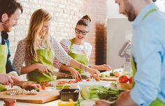 Upgrade your culinary skills with a cooking class focussed on making Indian fare such as korma, eggplant curry, butter chicken or beef palak Culinary Classes, Cooking Classes, Chefs, Veggie Spaghetti, Eggplant Curry, Soup Cleanse, Health Bar, Brunch, Italian Cooking
