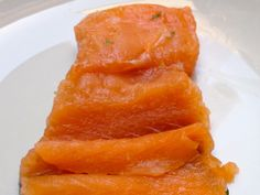 Sveden salmon with gravlax sauce