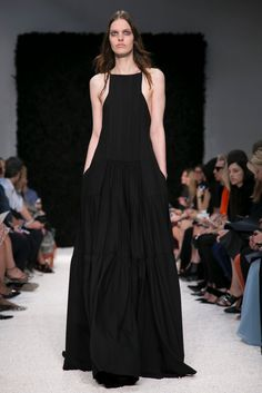 A look from the Vera Wang Spring 2015 RTW collection.