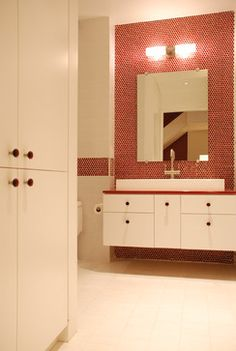 Kid's Bath - modern - bathroom - new york - gne architecture Bathroom Red, Big Bathrooms, Modern Bathroom, Bathroom Ideas, Feng Shui, Feminine Bathroom, Neutral Bathroom, Grey Bathrooms Designs, Red Cabinets