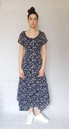 Jahrgang 90er Jahre Floral Print Maxi Kleid von EdnasVintageHouse