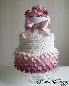 Pink ruffles, roses and pionys on my most photographed wedding cake www.cakemehappy.se