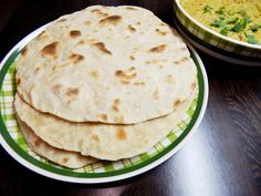 Indické placky čapátí Chapati, Quiche, Good Food, Ethnic Recipes, Indie, Fitness, Quiches, Healthy Food, Yummy Food