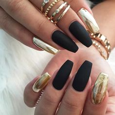 Matte Black and Gold Metallic Nail Art Design metallic 21 Trendy M. - - Matte Black and Gold Metallic Nail Art Design metallic 21 Trendy Metallic Nail Designs to Copy Right Now Gorgeous Nails, Pretty Nails, Crome Nails, Hollywood Nails, Nagellack Design, Coffin Nails Matte, Acrylic Nails, Gel Nail, Nail Glue