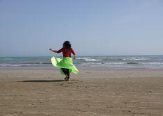 Auf dem weichen Sand tanzen fühlt sich sehr schön an. Meine Füsse, mein ganzer Körper bewegt sich wie von alleine. Beach, Outdoor, Dance, Music, Nice Asses, Outdoors, The Beach, Beaches, Outdoor Living
