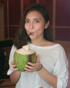 Waiting for Christmas break like.👀just a few more days! Kathryn Bernardo Outfits, Filipina Actress, Teen Celebrities, Celebrity Stars, Jadine, Bad Girl Aesthetic, Cara Delevingne, Watermelon, Ethnic Recipes