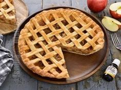 Placinta americana cu mere (CC Eng Sub) No Cook Desserts, Dessert Recipes, American Apple Pie, Love Chocolate, Sweet Cakes, Waffles, Food And Drink, Cheesecake, Sweets