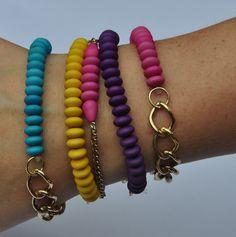 Stacking bracelet - hot pink and gold - bracelet layering. kr75,00, via Etsy.