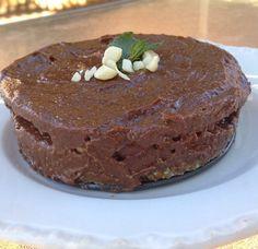 Raw Paleo Vegan Chocolate & Macadamia Peppermint Ice Cream Cake (Dairy, Gluten & Grain Free)