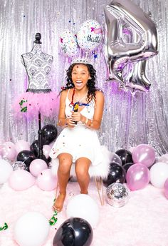 Birthday Photo Shoot- confetti poppers Confetti Poppers, Glam Girl, Birthday Photos, Girl Birthday, Photo Shoot, Ideas, Anniversary Pictures, Photoshoot, Thoughts