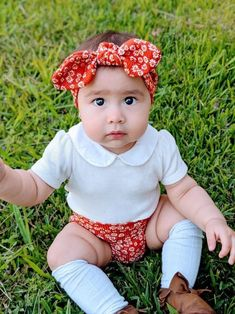 Dainty Daisy Rust Rib Bummies and Top Knot Headband Set, Baby Girl Cute Outfit, Diaper Cover, Toddler High Waisted Shorts Baby Boy Outfits, Kids Outfits, Cute Babies, Baby Kids, Crochet Baby Booties, Crochet Hats, Newborn Hats, Trendy Baby Clothes, Diaper Covers