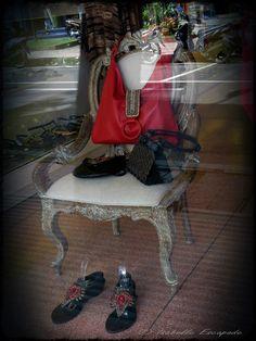 BALI - Les boutiques d'Ubud  Site - http://indonesie.eklablog.com Page Facebook - https://www.facebook.com/pages/Indon%C3%A9sie-par-Isabelle-Escapade/269389553212236?ref=hl