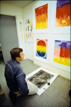 Jasper Johns in front of the Color Numerals Series, 1968