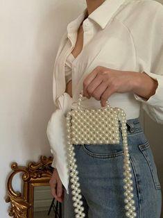Beaded Purses, Beaded Bags, Crochet Vintage, Ideias Diy, Vintage Pearls, Cute Bags, Handmade Bags, Fashion Bags, My Bags