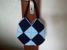 Crochet Tasche https://www.facebook.com/photo.php?fbid=405009626274584&set=a.405009609607919.1073741831.405004926275054&type=3&theater