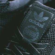 adidas Los Angeles Present Black / White
