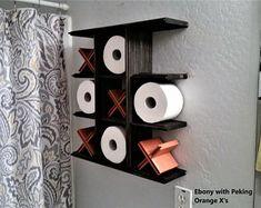 Playable Rustic Tic-Tac-Toe Toilet Paper Holder | Etsy Rustic Bathroom Decor, Diy Wall Decor, Rustic Decor, Home Decor, Shelf Furniture, Funky Furniture, Toilet Art, Powder Room Decor, Toilet Paper Storage