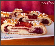 CROSTATA ARROTOLATO, con tanta golosa confettura Best Italian Recipes, Yummy Food, Tasty, Dessert Recipes, Desserts, Fett, No Bake Cake, Waffles, French Toast