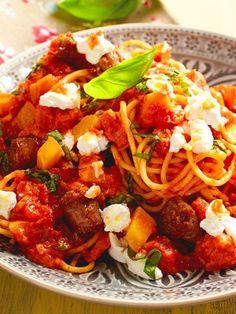 #Pasta, #Tomatensoße, #Süßkartoffeln und würzige #Salsicce - dieses #Rezept vereint alle guten Dinge!