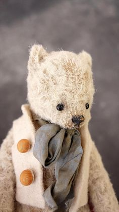 Vintage styled mohair bear by Esther Pepper