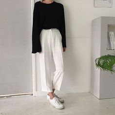 minimal outfit | black white common projects