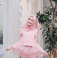 Kebaya Hijab, Kebaya Dress, Modern Hijab Fashion, Muslim Fashion, Islam Women, Daily Outfit, Beautiful Asian Girls, Pink Ladies, Fashion Dresses