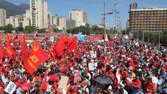 @HogarDeLaPatria : Hoy vamos tod@s a decir #AmnistiaNoVa porque en Venezuela existe una Constitución que protege al Pueblo gracias a Chávez