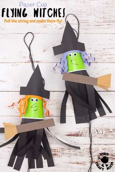 This Flying Paper Cup Witch Craft For Kids is so easy to make and loads of fun! Children will LOVE how interactive this paper cup craft is. Just pull the string and watch your witch fly up and down on her broomstick! Such a fun Halloween craft! Fun Halloween Games, Halloween Arts And Crafts, Easy Arts And Crafts, Halloween Party Decor, Arts And Crafts Supplies, Halloween Kids, Halloween Themes, Holiday Crafts, Halloween Witches