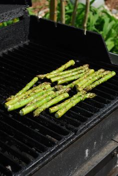 Grilled Asparagus | Recipleaser
