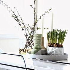 Inspiring Homes: Mitt og vårt hjem Interior Trend, Interior Inspiration, Home, Modern Vase, Interrior Design, Furniture Interior Decoration, Inspiration, Nordic Interior Design, Diy Home Decor Projects