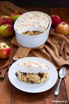 Rice and Apple Meringue Pudding. 20 Min, Dessert Recipes, Desserts, Meringue, Oatmeal, Brunch, Pudding, Sweets, Apple