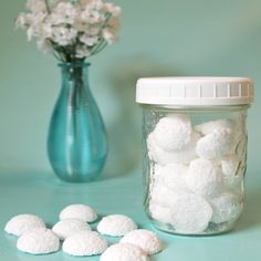 Cleaning the toilet isn't something most of us look forward to, but these homemade fizzy tablets can make that chore a little quicker and simpler. Just drop one… Cleaning Hacks, Cleaning Supplies, Cleaning Recipes, Dog Supplies, Cleaning Solutions, Natural Bathroom Cleaner, Natural Cleaners, Essential Oil Bath Bombs, Essential Oils