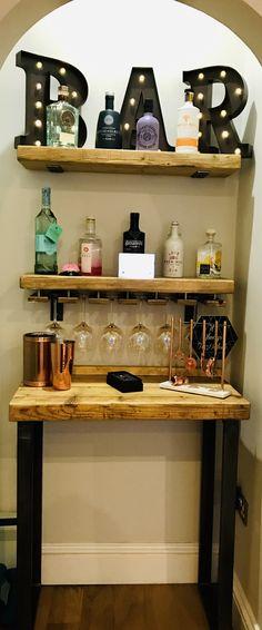 Reclaimed scaffolding shelves to create gin bar at home. Diy Bar, Diy Home Bar, Home Bar Decor, Mini Bar At Home, Bars For Home, Mini Bars, Corner Summer House, Corner Home Bar, Bar Shelves