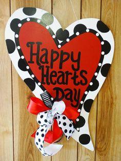 Burlap Door Decorations, Holiday Door Decorations, Wooden Wreaths, Valentines Day Decorations, Burlap Crafts, Diy Crafts, Wood Crafts, Valentine Wreath, Valentine Day Crafts