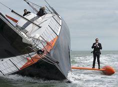 Alex Thomson Hugo Boss keel walk | The Daily Sail
