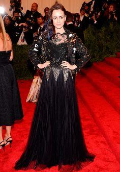 Met Gala alfombra roja Punk Chaos to Couture - Lily Collins | Galería de fotos 111 de 121 | Vogue México