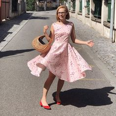 Twirly Betty Sew Over It, Dress Sewing, Make Your Own, Sewing Patterns, Fancy, Shopping, Instagram, Dresses, Fashion