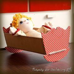 Kolébka pro panenku z lepenky - Cardboard cradle Diy Toys, Toy Chest, Storage Chest, Toddler Bed, Crafty, Cabinet, Kids, Furniture, Home Decor