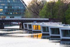 Floating Homes am Victoriakai-Ufer in Hamburg
