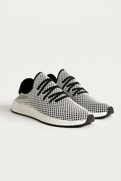 lowest price 75431 b37f0 adidas Originals Deerupt Black and White Running Trainers