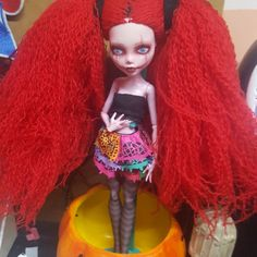 LF AUTHENTIC MONSTER HIGH DOLL STAND, Looking For on Carousell