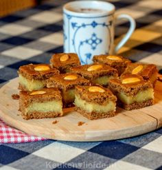 🌟Tante S!fr@ loves this📌🌟Gevulde speculaas Dutch Recipes, Baking Recipes, Sweet Recipes, Gourmet Desserts, No Bake Desserts, Dessert Recipes, Dutch Cookies, Pastry School, Sweet Pastries