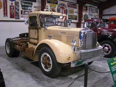 1949 Brockway 260-XW at the Iowa 80 Truck Museum