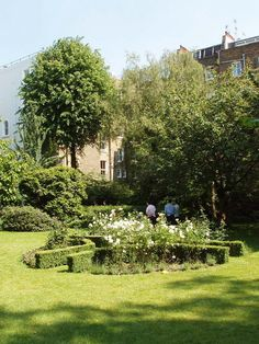 This is very much the sort of lovely secluded private garden that I imagined Amy designing for Leo - the annual Open Garden Squares day in London is a fascinating glimpse into the secret world of elegant squares...
