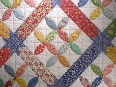 <p>The Bay Leaf quilt pattern uses an easy applique technique. The pattern is also called Also called the Pincushion, Tea leaf or Lafayette Orange Peel, and originated in the mid 1800′s. To create the pattern pieces, draw the curve around the edge of a dinner plate. Here is a template …</p>