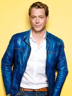 Goede Tijden Slechte Tijden: Nieuwe persfoto's Goede tijden Slechte tijden Red Leather, Leather Jacket, Jackets, Fashion, Studded Leather Jacket, Down Jackets, Moda, Leather Jackets, Fashion Styles