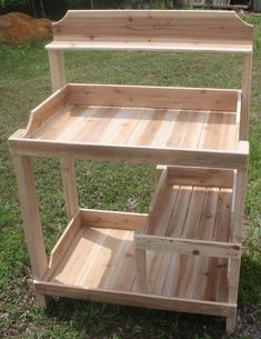 Wooden Pallet Furniture Potting Bench - the price is ridiculous but the design is great. Outdoor Furniture Plans, Diy Garden Furniture, Wooden Pallet Furniture, Wooden Pallets, Wooden Diy, Furniture Ideas, Bench Furniture, Pallet Wood, Furniture Makeover