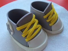 Gray converse baby shoes gum paste fondant for by WonderCakeDeco