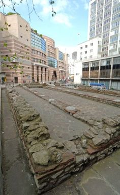 The century Roman Temple of Mithras which was moved to a site in Queen Victoria Street in This Temple was mentioned in Rutherfurd's London. Ancient Ruins, Ancient Rome, Ancient Greece, Ancient History, Old London, London City, Birmingham City Centre, Ancient Discoveries, British Architecture